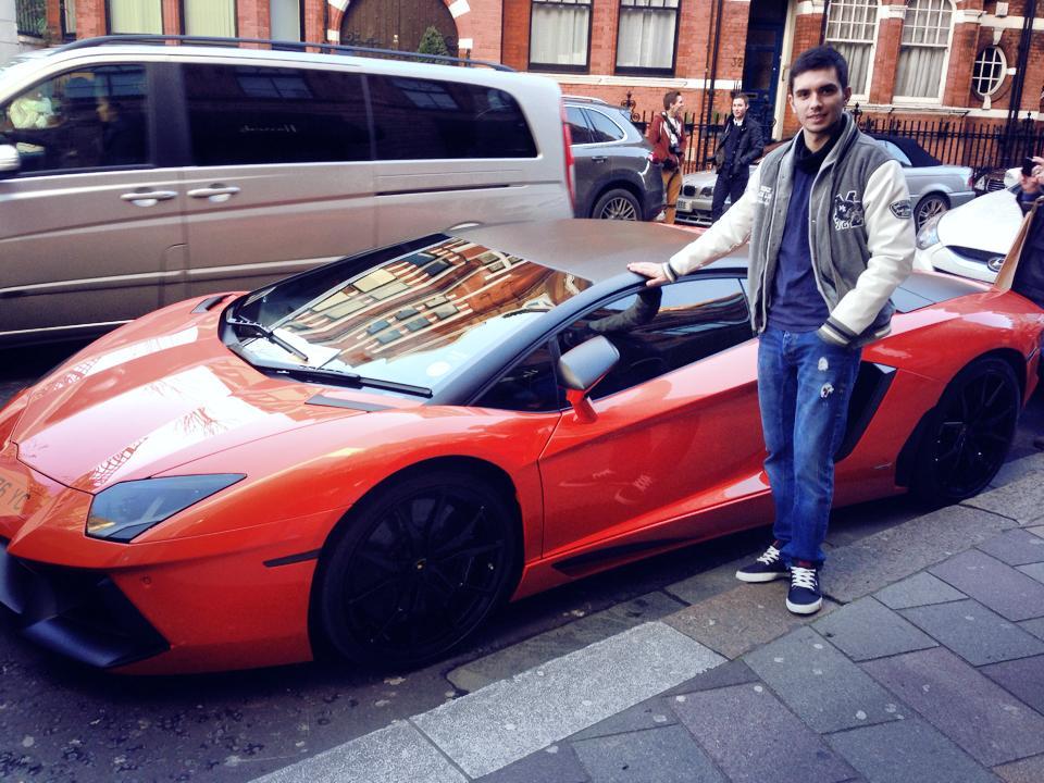 Despre Darius s-a scris ca ar fi sofer de taxi in Anglia