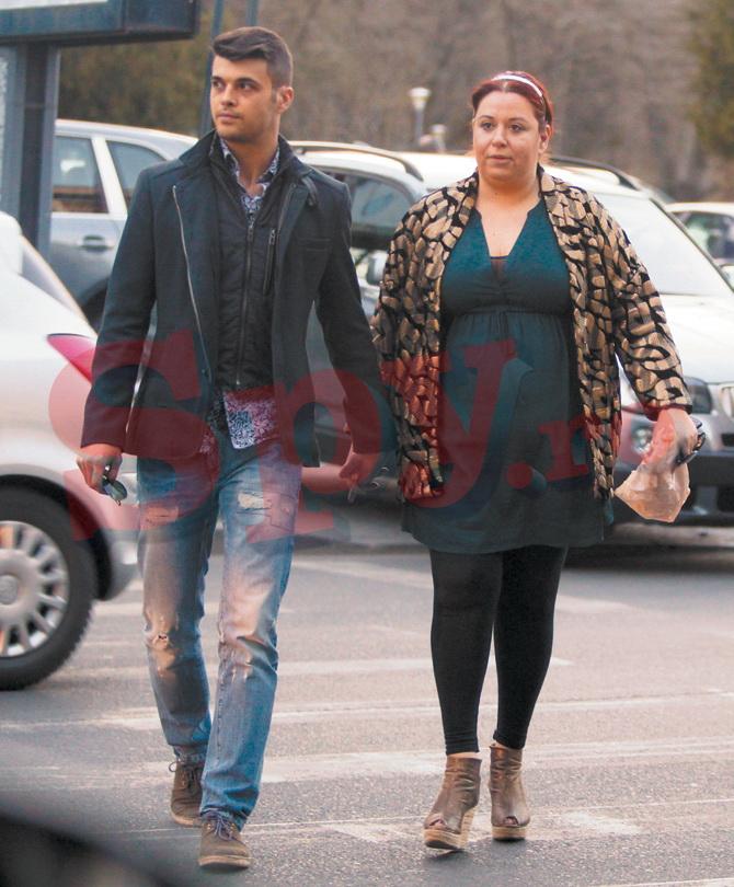Oana Roman si sotul ei surprinsi de paparazzi SPY in timp ce plecau de la un restaurant