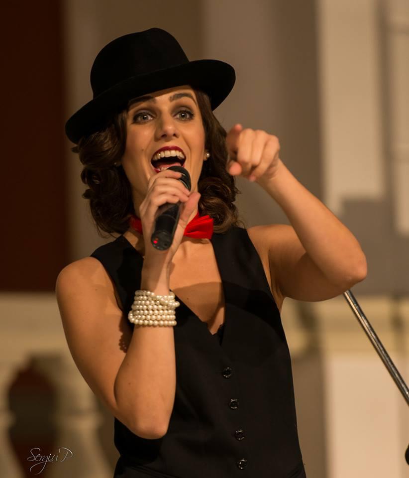 Irina Sarbu este una dintre cele mai indragite cantarete de jazz din tara foto: Sergiu P