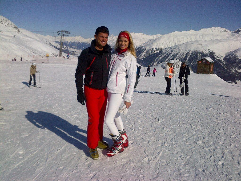 Disputa dintre sotii Boureanu ar fi avut loc inainte de sarbatori, in vacanta la schi foto: Facebook