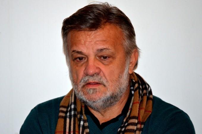Unul dintre cei mai buni prieteni de-ai lui Sergiu Nicolaescu, Ioan carmazan va regiza filmul dupa viata Mariei Tanase, in locul lui
