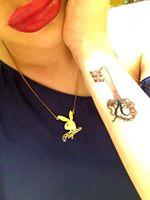 Playmate-ul si-a tatuat deja intiala numelui iubitului ei