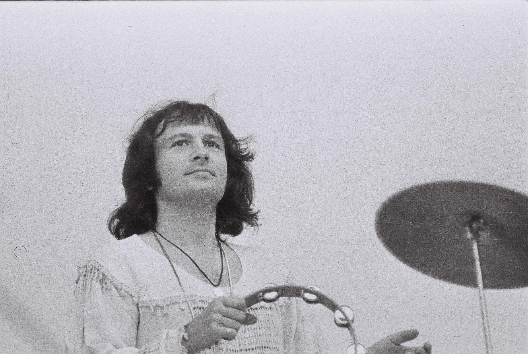 In 1977, Baniciu avea plete si se imbraca hippie