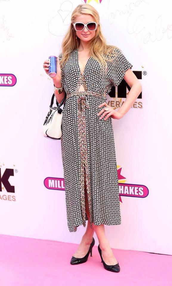 Paris Hilton a facut senzatie pe covorul roz