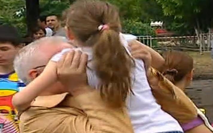 Omul de afaceri a dus-o pe Irinuca la un adapost de cai