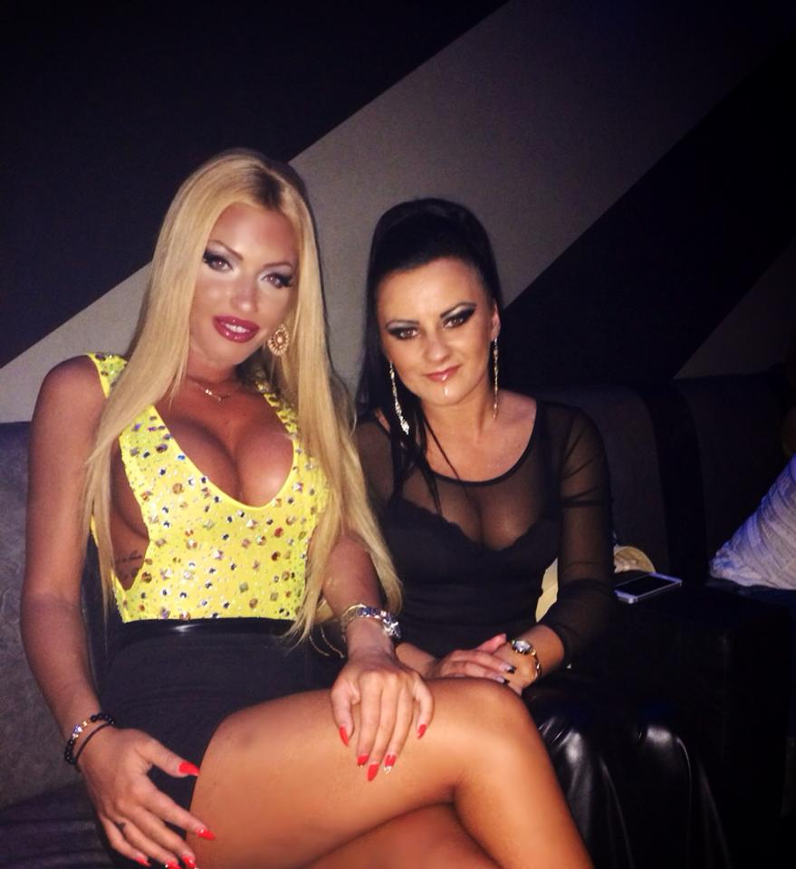 Loredana Chivu s-a distrat alaturi de o prietena intr-un club din Campeni