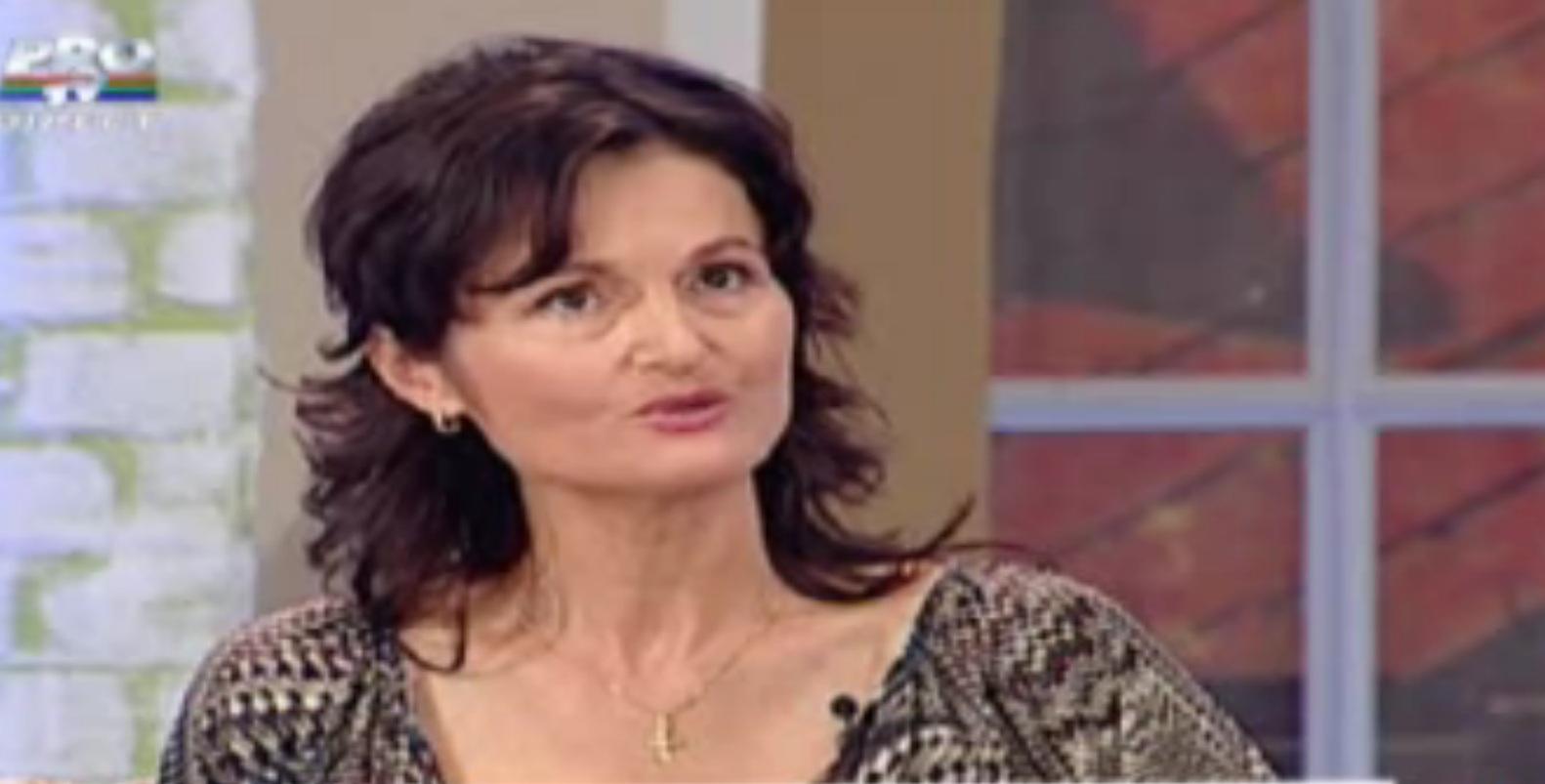 Adina Mihalea este o fire retrasa, aparitiile sale televizate fiind foarte rare. Captura PRO TV