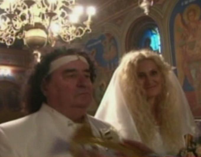 Abia dupa 16 ani de iubire, cei doi si-a unit destinele in fata lui Dumnezeu