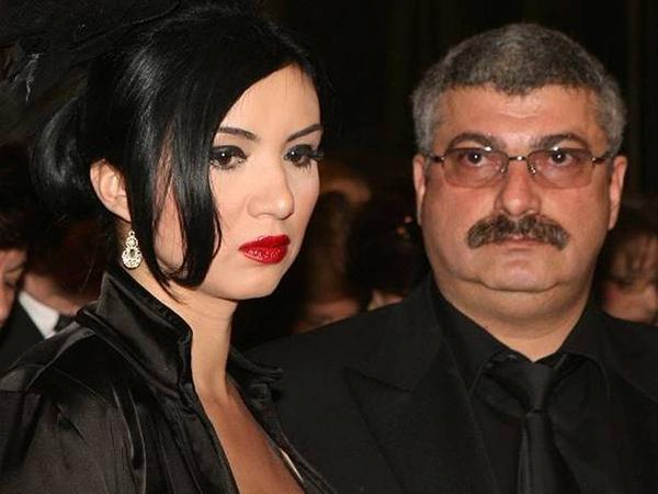 Milionarul si-a acuzat sotia ca ar fi pus la cale impreuna cu avocatul ei un plan diabolic