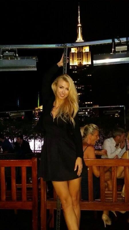 Andreea si-a petrecut ziua pe terasa unui zgare-nori din Manhattan