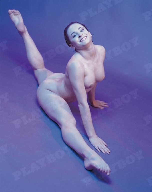 Fosta gimnasta a pozat pentru revista Playboy