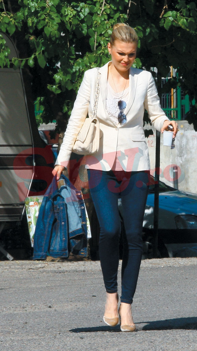 Cristina Rus da semne ca nu are o relatie tocmai roz cu soacra
