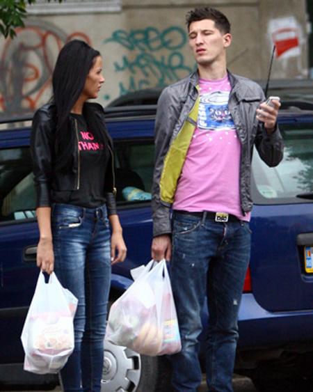 Un impostor se dadea drept Mihai Costea, iubitul Crudutei, si agata femei pe Internet