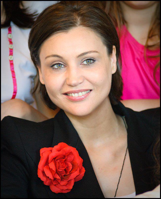 Actrita e considerata una dintre cele mai frumoase femei din Romania