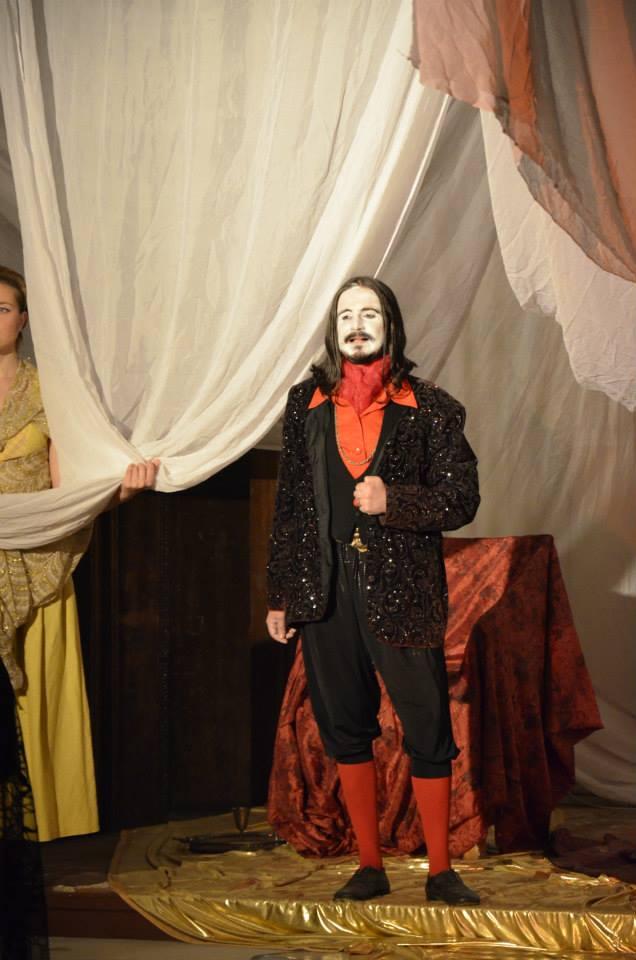Iulian Ilinca a ramas in continuare in teatru