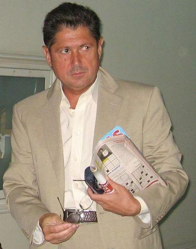 Sergiu Sechelariu este la cutite cu sotia regretatului sau frate