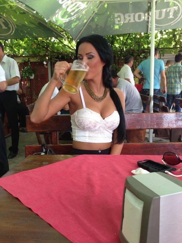 La final, Daniela s-a rasfatat cu o bere rece