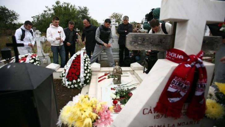 Fostii colegi de la Dinamo merg in fiecare an la mormantul lui Catalin