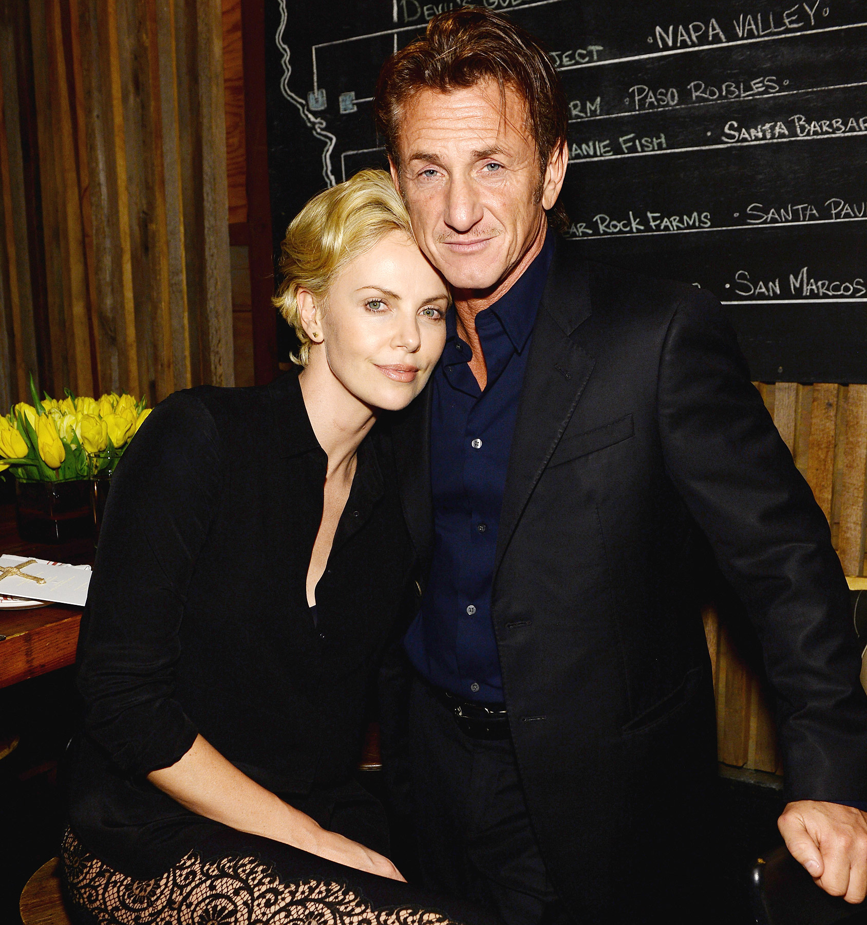 Charlize Theron si Sean Penn sunt impreuna de 8 luni