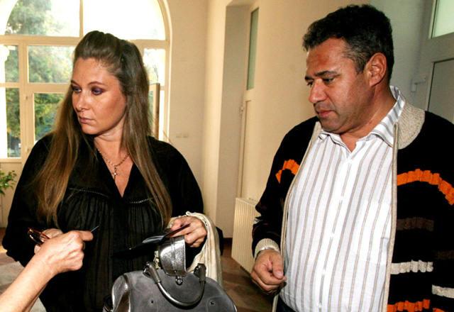 Creatoarea de moda si pilotul au divortat in 2008
