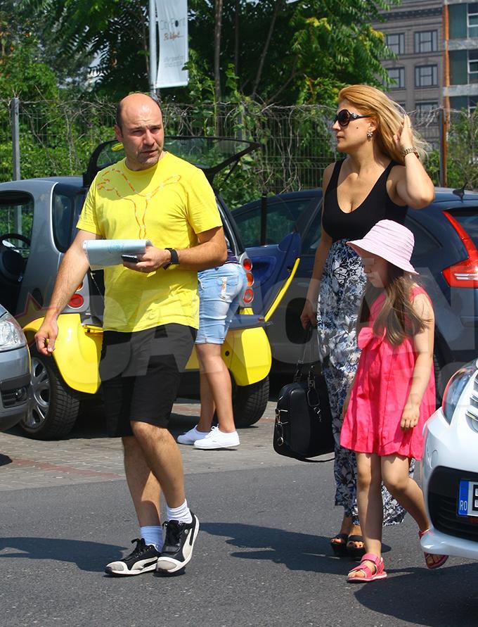 Liana Stanciu si Mihai Georgescu au facut cateva drumuri prin Bucuresti, alaturi de fiica lor