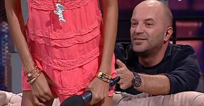 Oana Zavoranu s-a aplecat in direct, in fata lui Dan Capatos