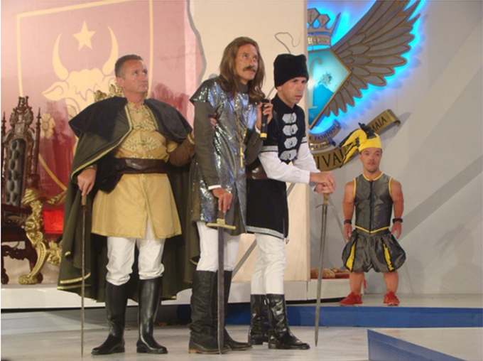 Pentru a intra in pielea domnitorului, edilul Constantei a imbracat itari si a purtat peruca si mustata foto: Mediafax