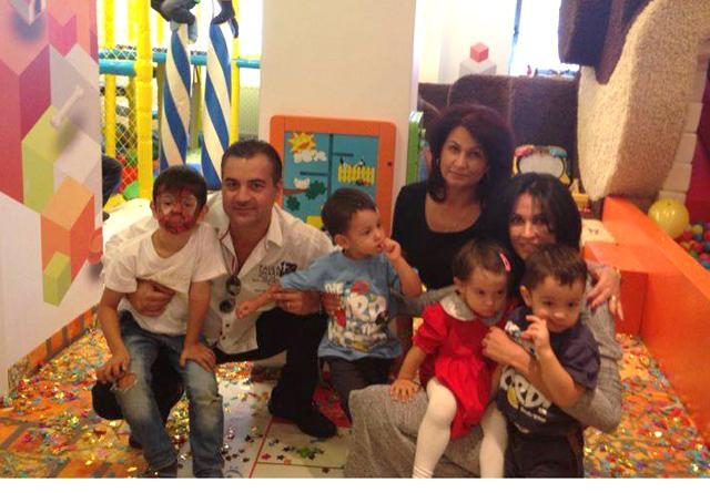 Mama Nicoletei Luciu are grija de cei patru copii ai fiicei sale