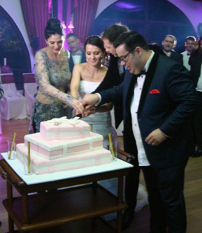Razvan Popescu si aleasa inimii lui s-au casatorit in acest week-end