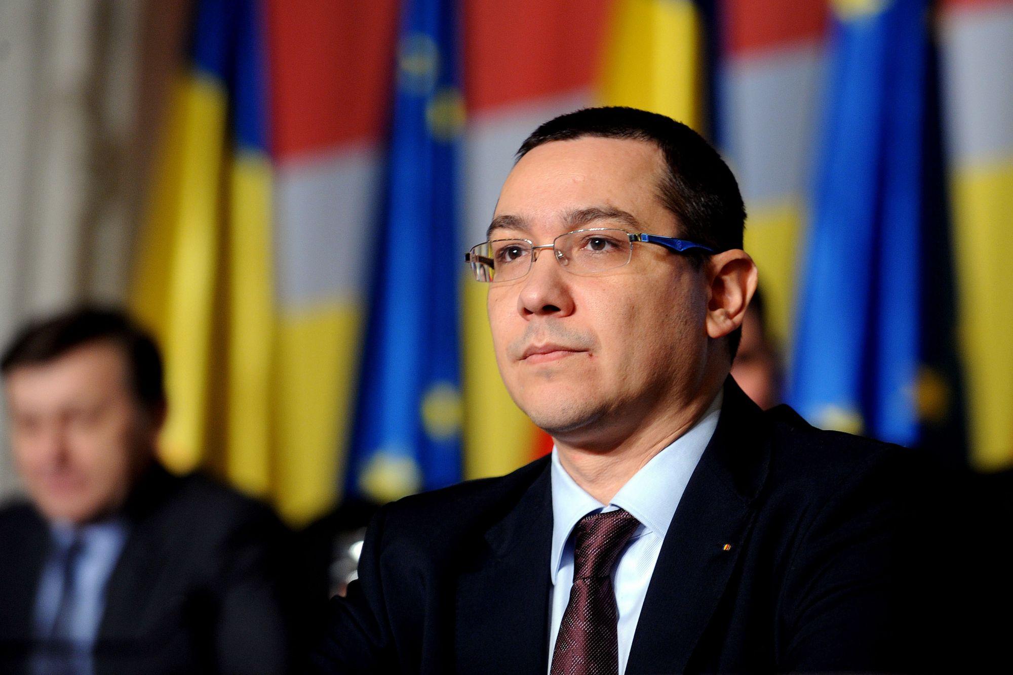 Victor Ponta i-a urat