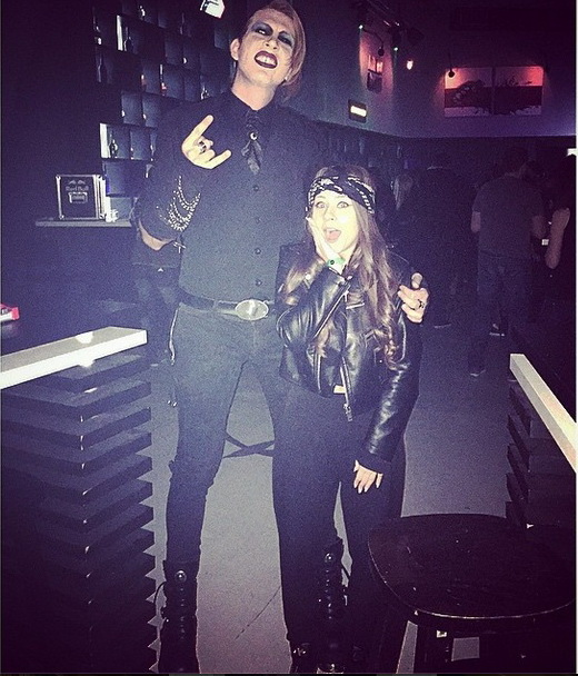 Desi il idolatrizeaza pe Bon Jovi, Tudor s-a deghizat in Marilyn Manson