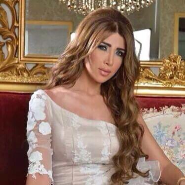 Ea este creatoarea de moda care va confectiona spectaculoasa rochie