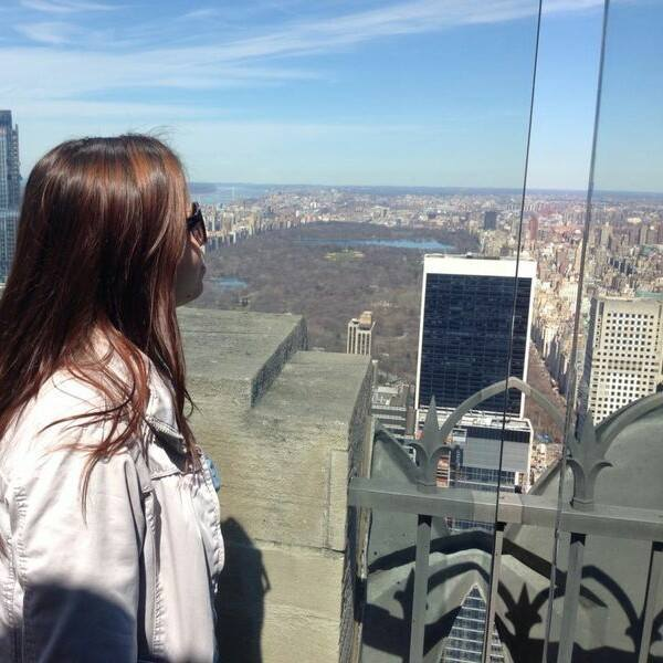 Estera a ales sa plece in New York
