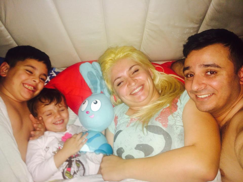 Liviu si Giulia sunt parintii a doi copii