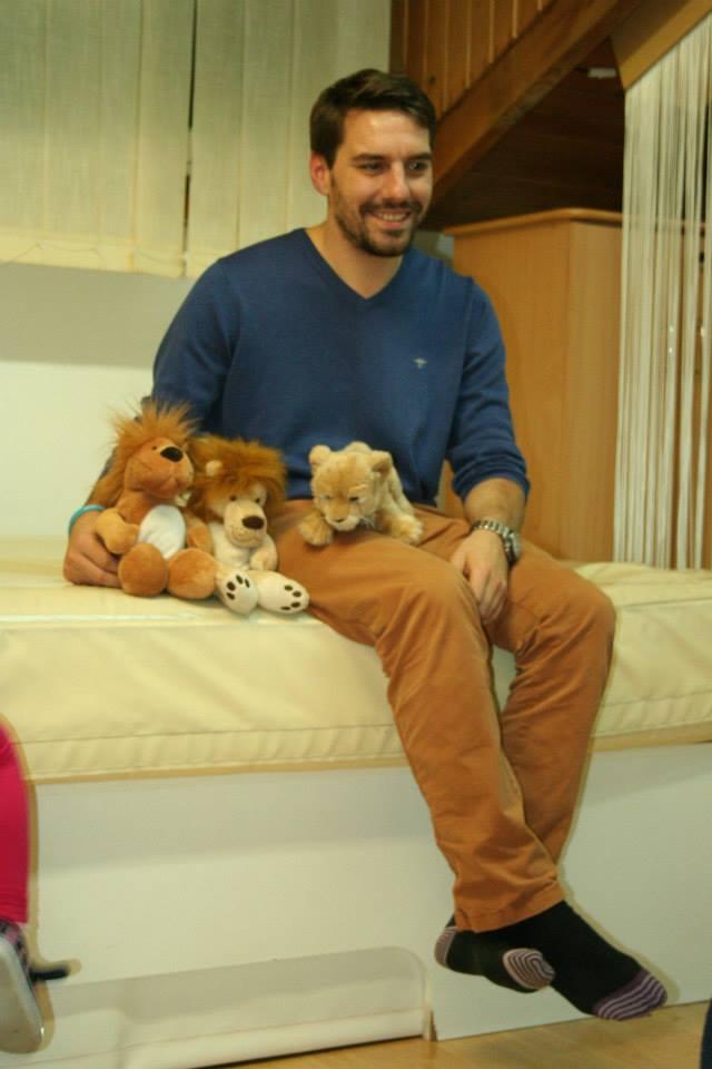 De cand locuieste in Romania, Nicolae se implica in campanii umanitare