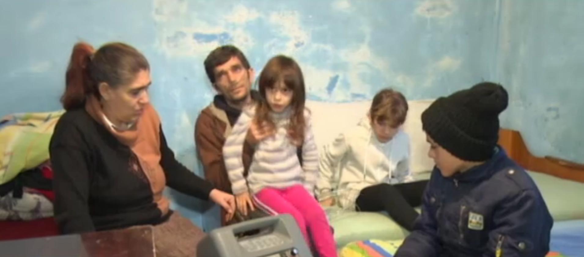Familia Craciun traieste de pe o zi pe alta( foto: Stirile Pro TV)