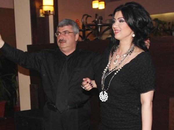 Adriana Bahmuteanu a chemat politia pentru ca sotul ei a lasat vorba la portar sa nu-i dea voie in casa daca este beata
