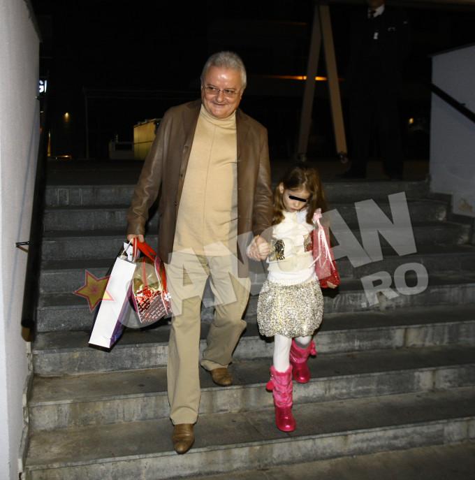 Afaceristul de la Izvorani se ocupa singur de cresterea fetitei sale, Irina