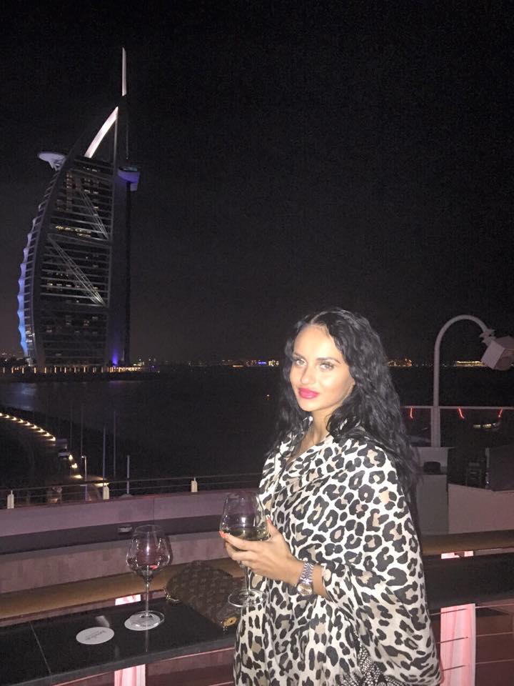Originara din Brasov, Lavinia Nedelcu locuieste in Dubai