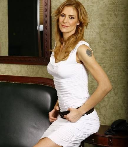 Roxana Ciuhulescu mai are un tatuaj pe bratul stang