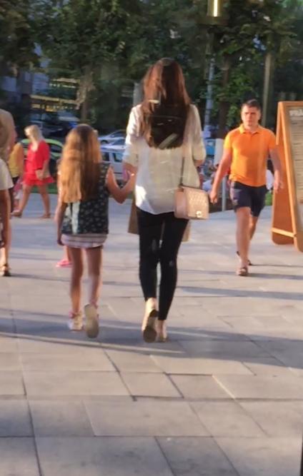 Fosta doamna Columbeanu este extrem de grijulie cu fiica ei, Irina