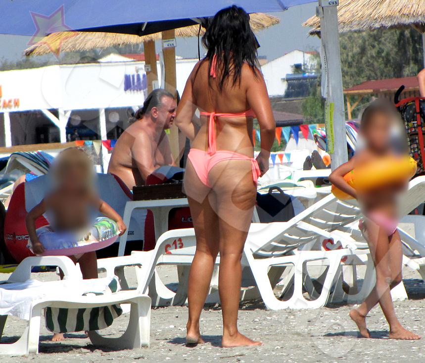 Manuela Fedorca nu pare deloc interesata de felul in care arata