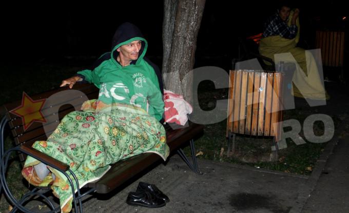 Inainte de a sta in garsoniera, cei doi au dormit in parc
