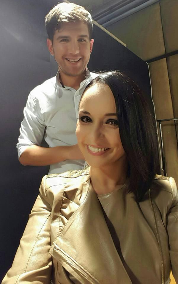 Fosta prezentatoare TV s-a tuns pentru a-si dona parul pentru a peruca pentru o femeie bolnava de cancer