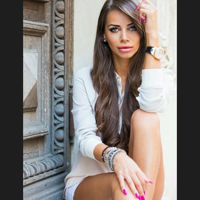 Oana Marica este un fotomodel renumit in Romania