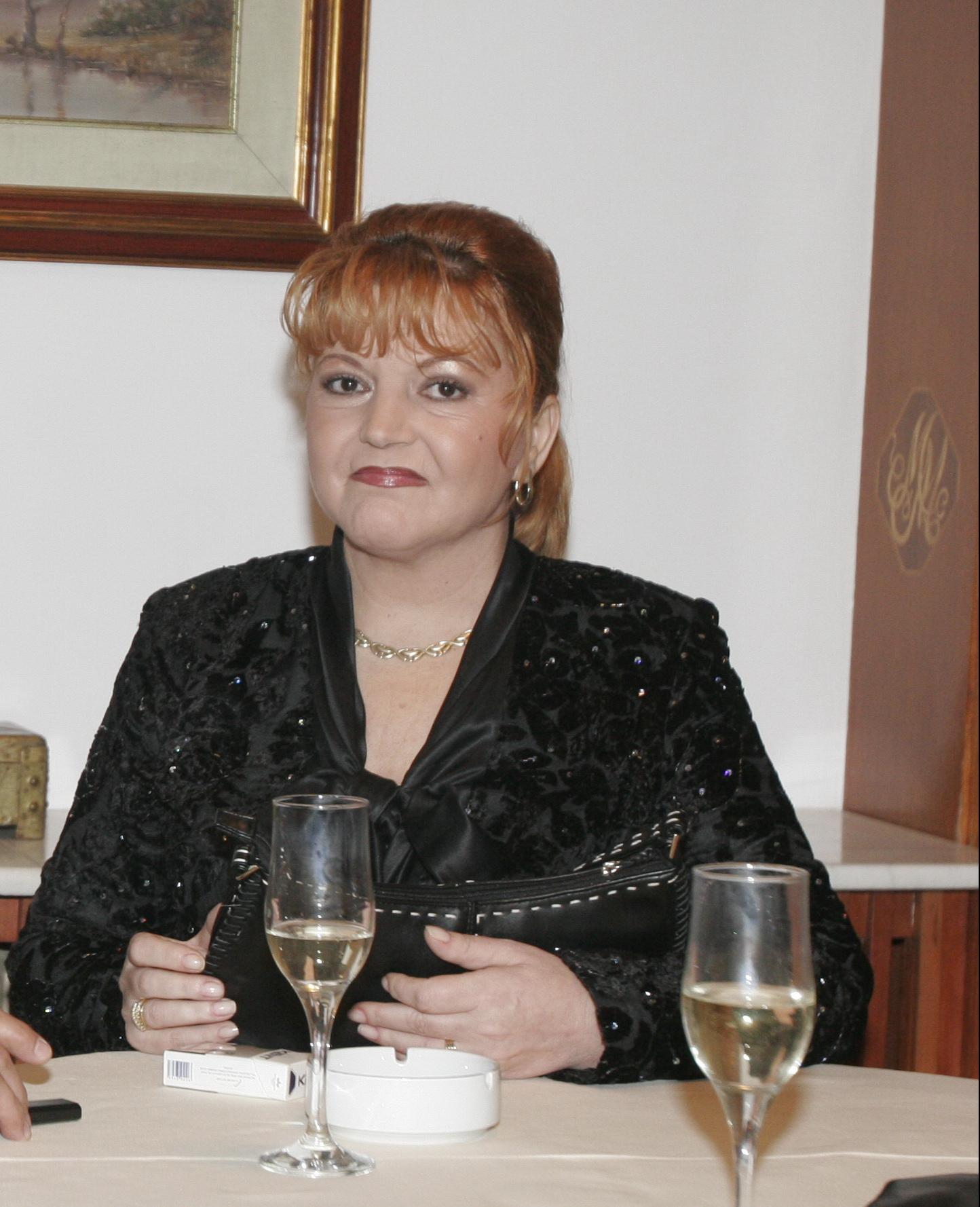 Una dintre cele mai indragite soliste de muzica populara, Maria Craneci s-a ferit de operatiile estetice