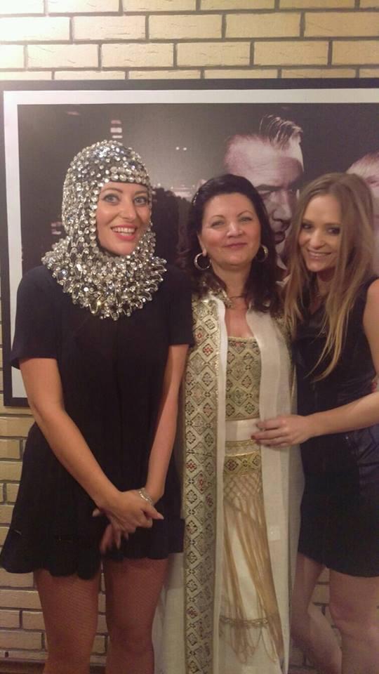 In familia Matache, toate cele trei femei au voce si sunt cantarete