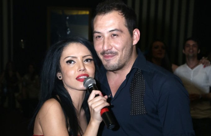 Dupa doar patru luni de relatie, Stefan Stan si Andreea Mantea isi faceau planuri de casatorie, insa fericirea i-a fost spulberata dupa ce s-a aflat ca artistul a avut o aventura cu Laura