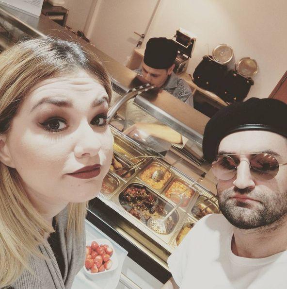Cei doi artişti au ieşit la masă împreună