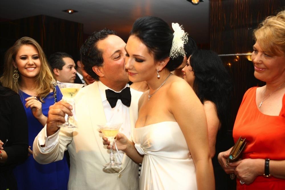 Irina Cristescu a avut parte de nuntă ca în poveşti, alături de Hector Bitar.
